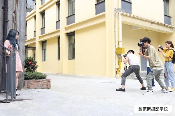 成都摄影学校,学员人像写真拍摄花絮——鲍豪斯