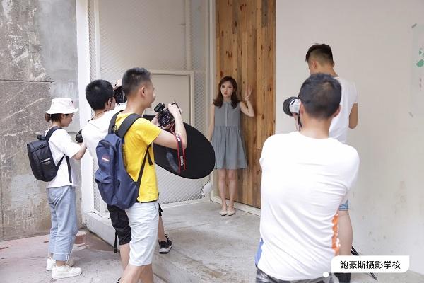 成都鲍豪斯摄影培训学校学员练习花絮