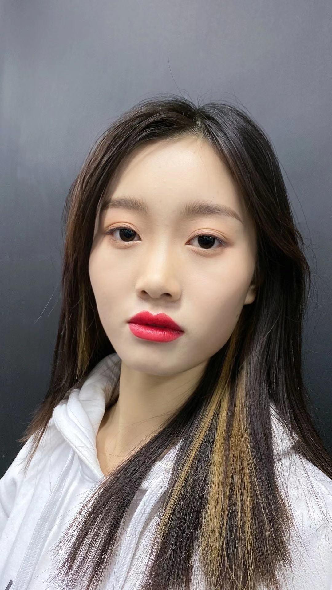 邯郸最好的化妆学校,听了安诺化妆老师的课,使我一生受益