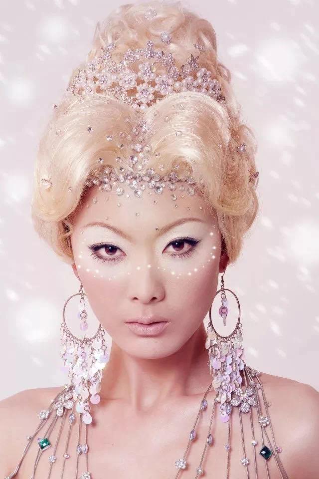 石家庄化妆培训学校哪家好,化妆也是一门艺术,它是对人物情感的叙事